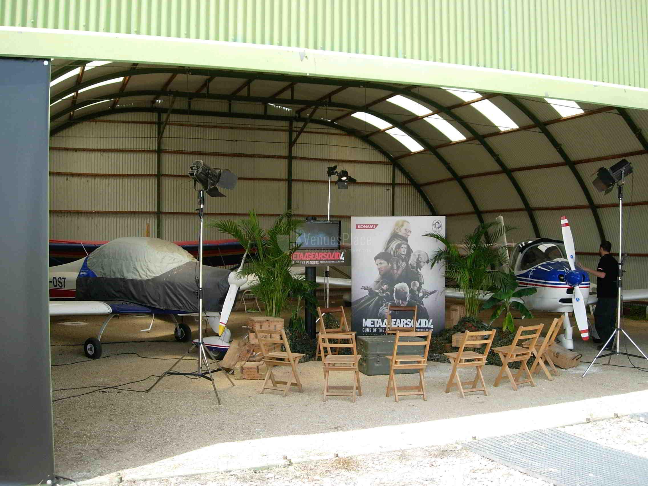 Interior hangares en Aeródromo Villanueva del Pardillo