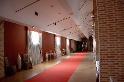 Amplios espacios para montajes especiales para su evento de empresa en Antigua fábrica de cerámica Cervantes