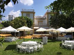Montaje comidas al aire libre en Casa Sotohermoso