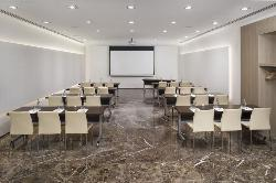 normal_71MeliaSevilla-Meetings_Magnolia_School_Set_Up.jpg