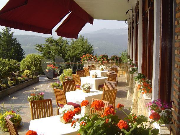 Celebra tus eventos en la terraza del Restaurante Andra Mari