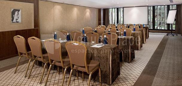 Montaje en escuela para eventos de empresa en Hotel Gran Meliá Don Pepe*****