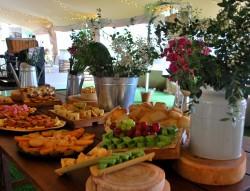 Buffet de quesos en Finca Santa Sofía