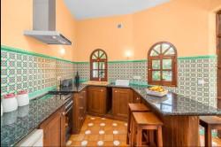 Pool suite kitchen