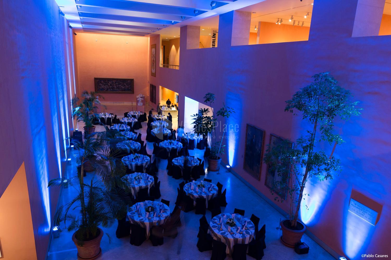 Cena en el Hall Central en Museo Nacional Thyssen-Bornemisza