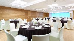 Montaje banquete Salón TURQUESA-LIMA en HOTEL CONDES DE BARCELONA