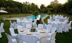 Banquete exterior en Cerros Bravo Apartamentos