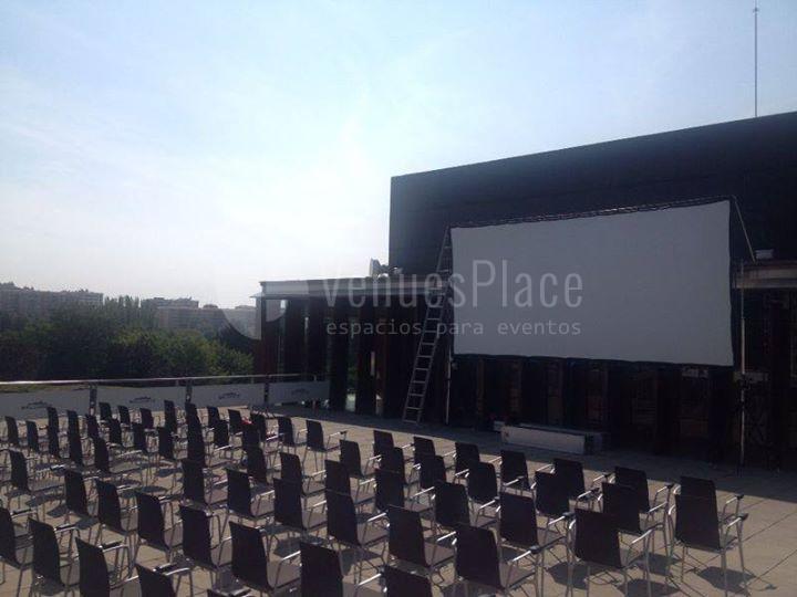 Montaje en teatro al aire libre en Baluarte Palacio de Congresos y Auditorio de Navarra