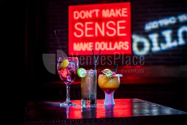 Disfruta de cocktails de calidad en La Butiq - Grupo La Máquina