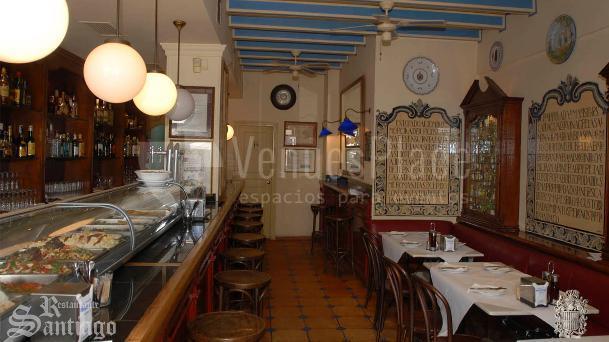 La barra de la Taberna encuentros en el  Restaurante Santiago