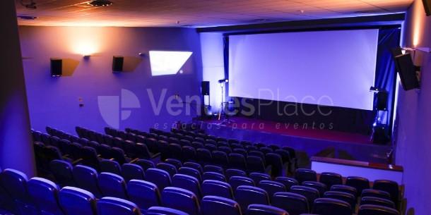 Interior 13 en Cine de la Prensa de Madrid