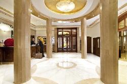 Espacios y decoración de lujo en Hotel Astoria