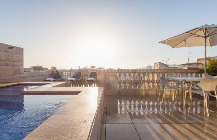 Terraza para eventos en el exterior en Hotel Astoria