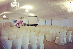 Salón acristalado montaje evento de empresa