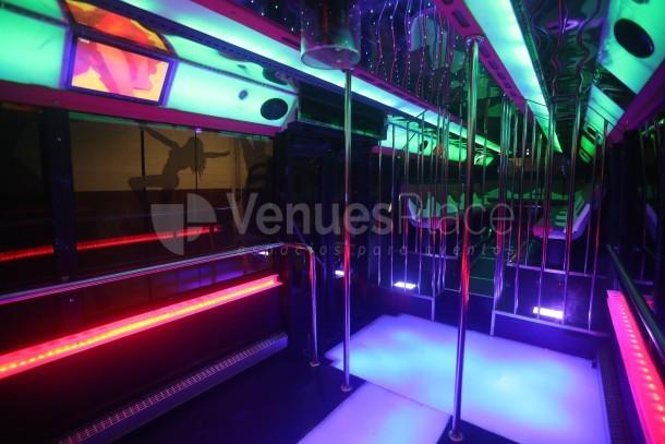 Montaje 2 en Partybus Barcelona