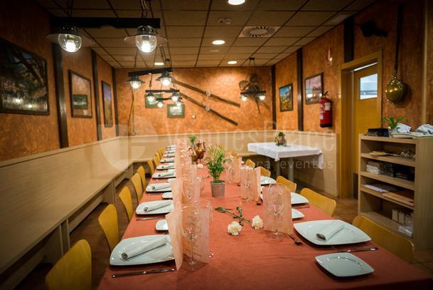 INTERIOR MESAS Restaurante Bocados