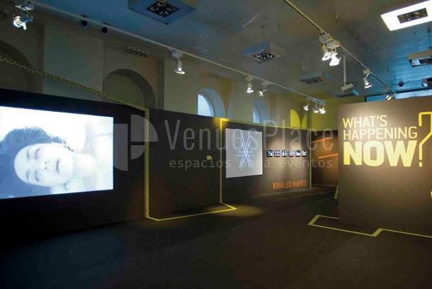 Montaje exposiciones en Casa Árabe