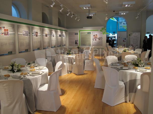 Montajede cenas y exposición en Casa Árabe