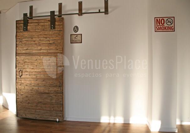 Ambiente acogedor para eventos en Attic Studio
