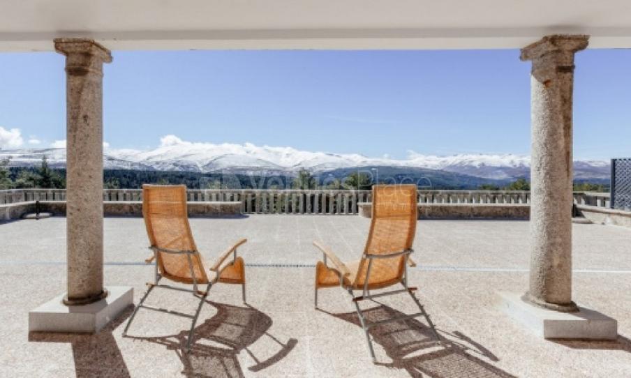 Terraza con vistas en PARADOR DE GREDOS