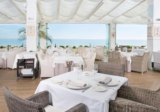 Comedor interior Besaya Beach