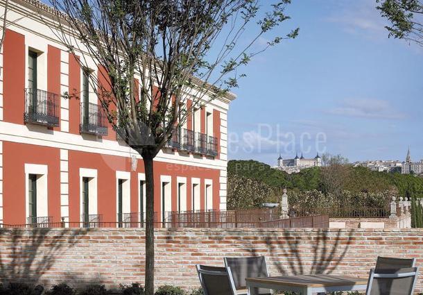 Fachada y vistas desde el Hotel Eurostars Palacio Buenavista Toledo