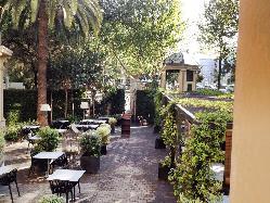 Comidas y cenas en la terraza del Restaurante Dos Torres