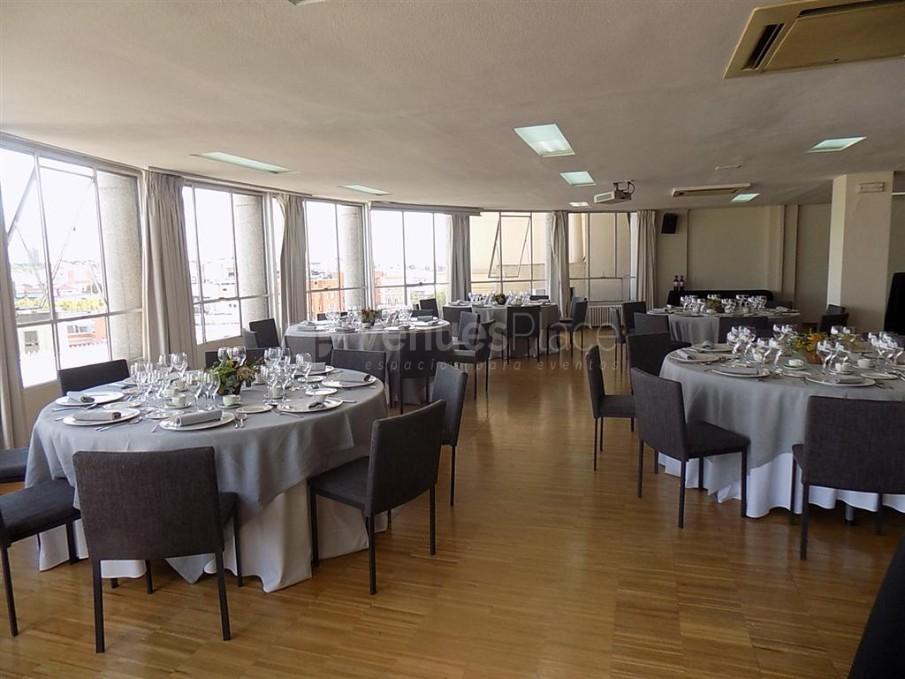 Sala María Zambrano. 5ª planta. Montaje banquete