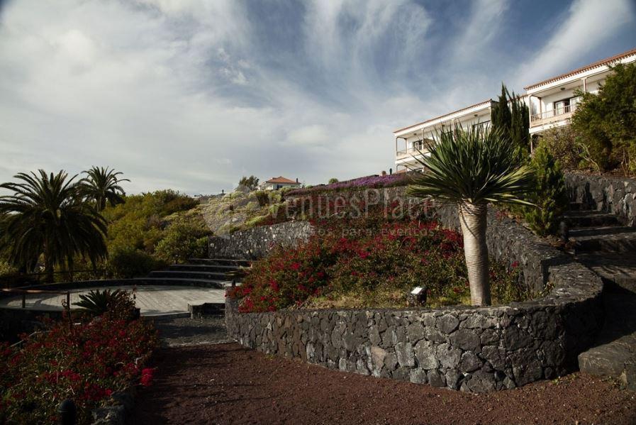 Jardines con ecanto en Parador de La Palma