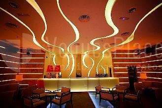 Lounge bar: New Garamond