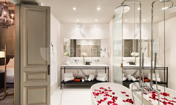 Baño habitación H10 Casa Mimosa