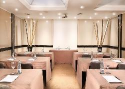 Formaciones y conferencia en Hotel Derby 4*