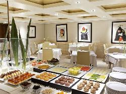 Interior 3 cocina de calidad en Hotel Derby 4*
