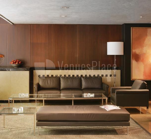 Interior cómodo y acogedor en Hotel Derby 4*