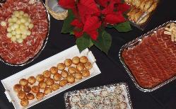 Montaje menú en AGA Catering de Gourmet