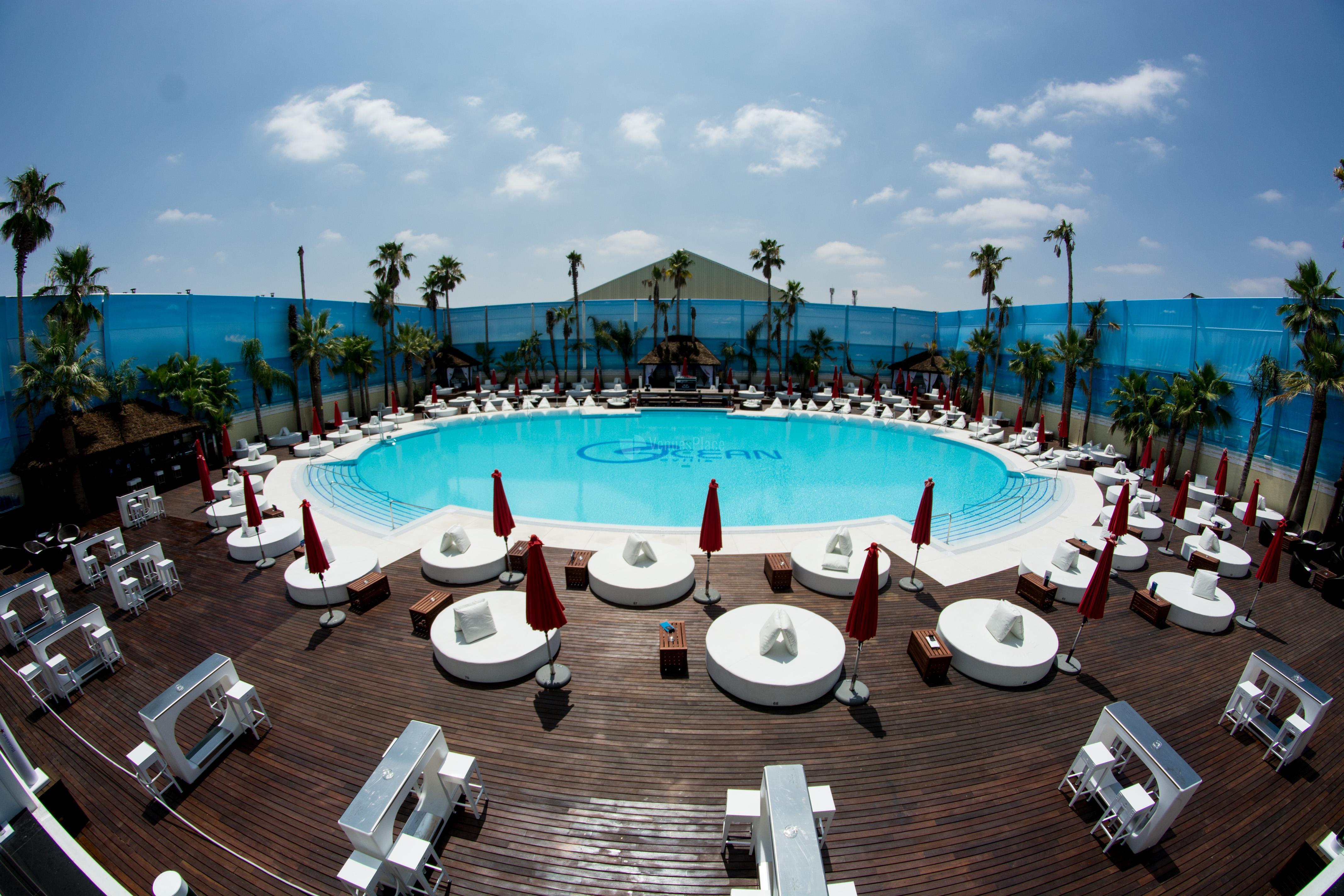 Occo ocean sevilla un incre ble pool club urbano en la ciudad de sevilla venuesplace - Piscinas climatizadas en sevilla ...