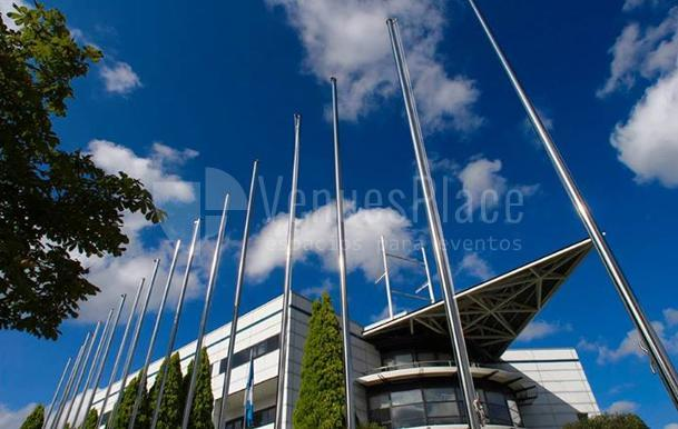 Vistas exteriores de edificios central/sede del Parque Científico y Tecnológico de Bizkaia