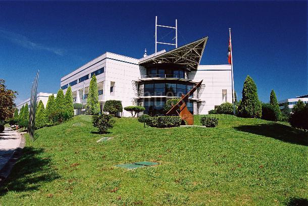 Exteriores del edificio central/sede del Parque Científico y Tecnológico de Bizkaia