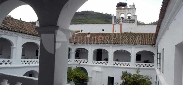 Exterior Hospedería Convento La Parra