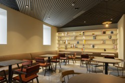 Cafeteria ICON Embassy by Petit Palace