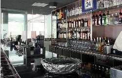 Bar de copas en Kaleido Málaga Port