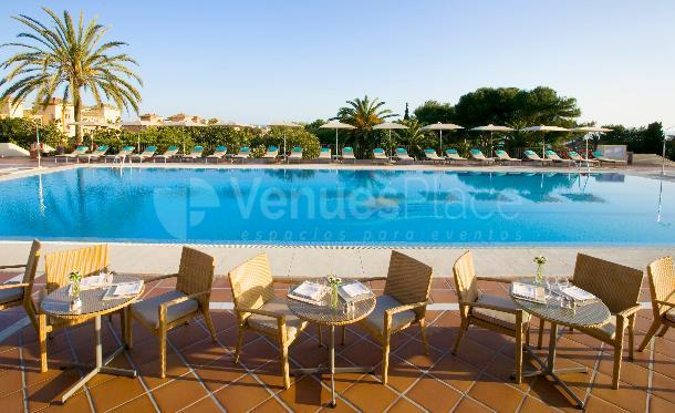 Bar Restaurante Sol y Sombra en Don Carlos Leisure Resort & Spa