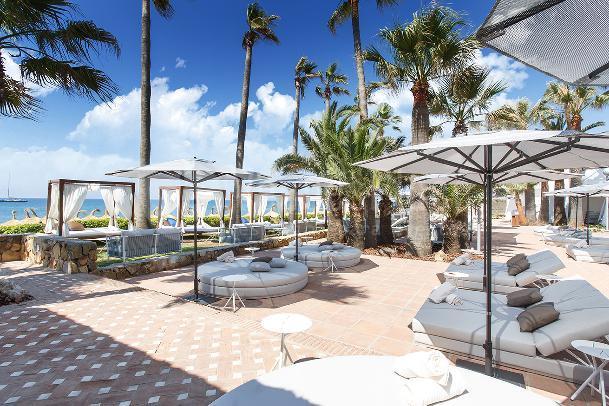 Zona piscina Orange Beach Club