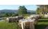 Montaje de mesas en el jardín en FINCA SANTA ELENA