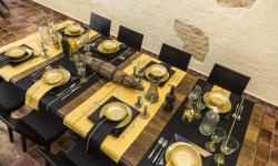 Montaje mesa salón en Finca San Agustín