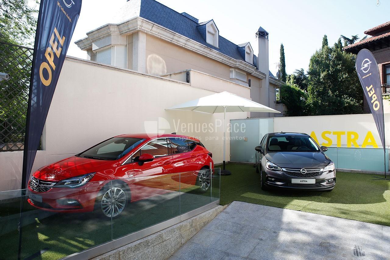 Eventos de motos, exposiciones y presentaciones de coches en Fundación Pons