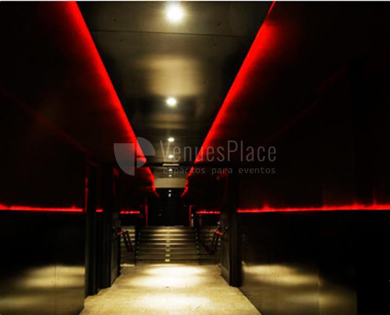entrada de Discoteca Chevalier