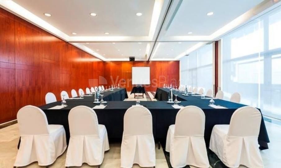 Hotel Don Cándido****-montaje de mesa en U