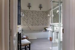 Baño en Palacio Santa Cristina