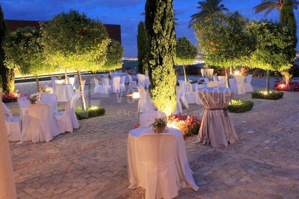 Bodegas Luis Pérez bodas y celebraciones cuidadas hasta el último detalle